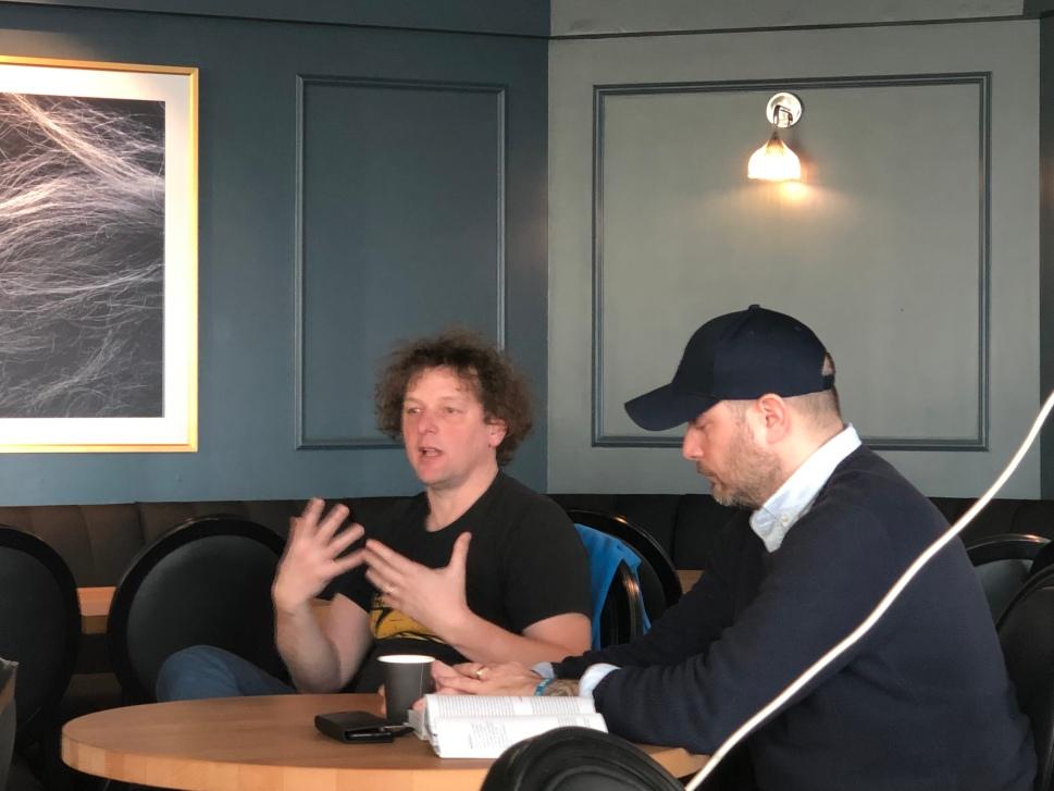Im Gespräch: Andree Kaiser (links) und Stefan © Sandra Grüning